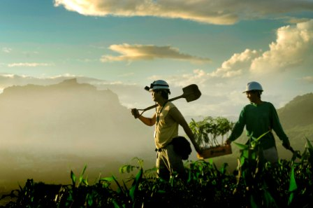 Apply for the 2014 Snowden Photography Competition on Mining