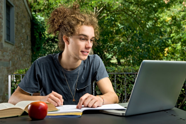 essay prizes australia The intellectual property society of australia and new zealand inc is pleased to  announce its 2018 competition for an essay on a topic of the author's choice.