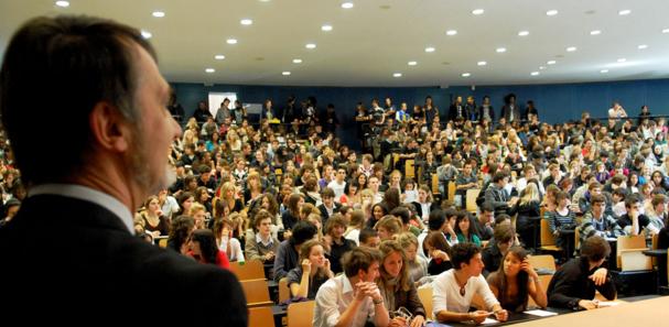 australian pr application process for international phd student
