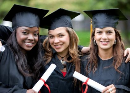 Harriet Fitzgerald Undergraduate Scholarship For Females 2017/18 -USA (USD $10,000 Award)