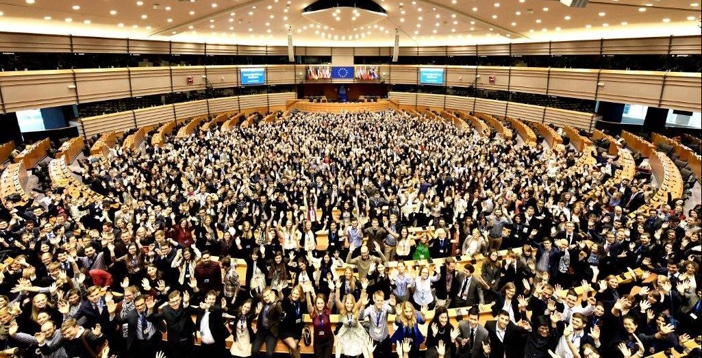 Paid Traineeships at the European Commission 2018 (Open to University Graduates Worldwide)