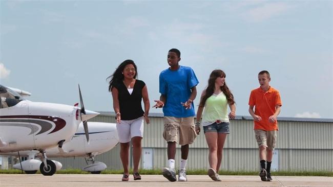 AOPA High School Flight Training Scholarship Program 2018