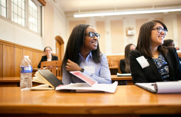 Canon Collins Thekgo Bursaries 2019 for Students in South Africa (Up to R7500)