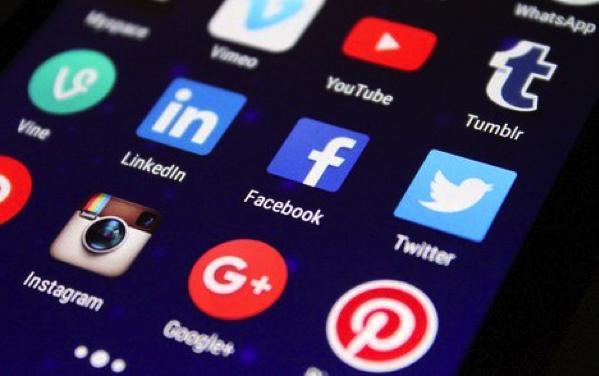 Entrepreneurs Make an Impact Using Alternative Media Marketing Online