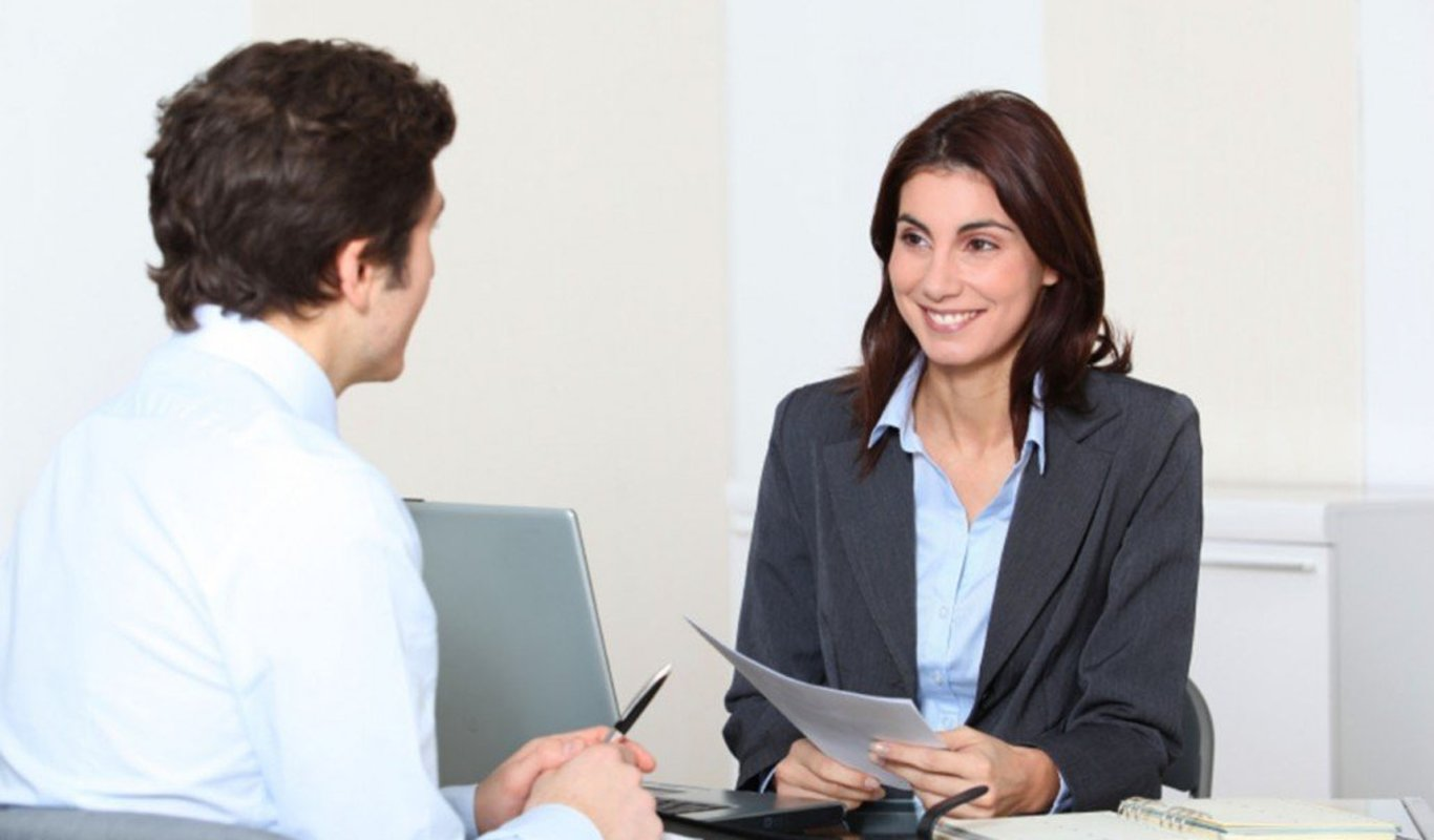 How HR managers play an important role in creating a positive workplace?