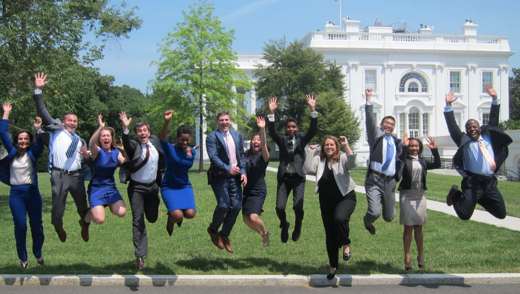 White House Fellowship Program 2021-2022 for Young Professionals in the U.S. (Paid)
