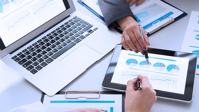 5 Things You Should Know about Working in Finance