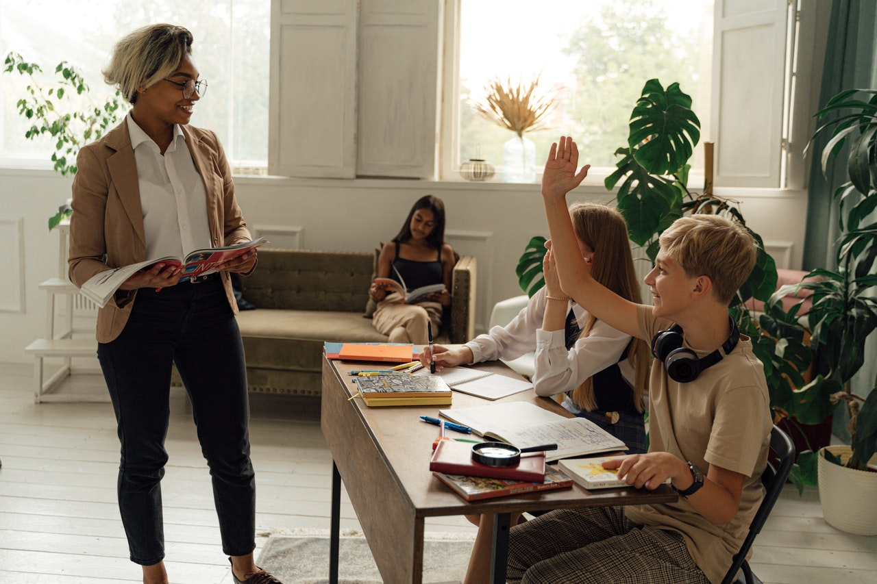 8 Reasons Why Teaching English Abroad Enhances Your Career Prospect